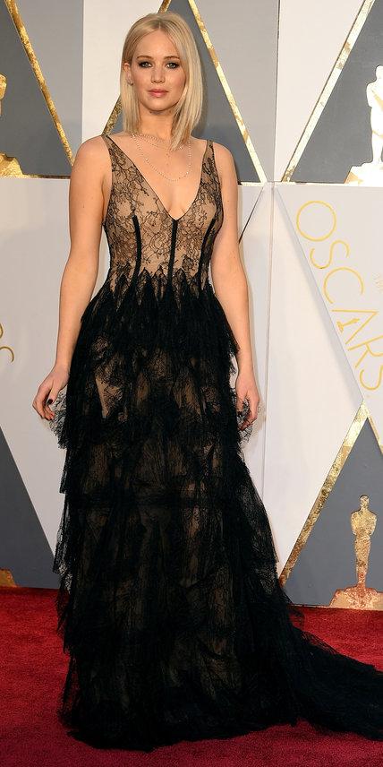 Jennifer Lawrence Dior Oscars Arrival