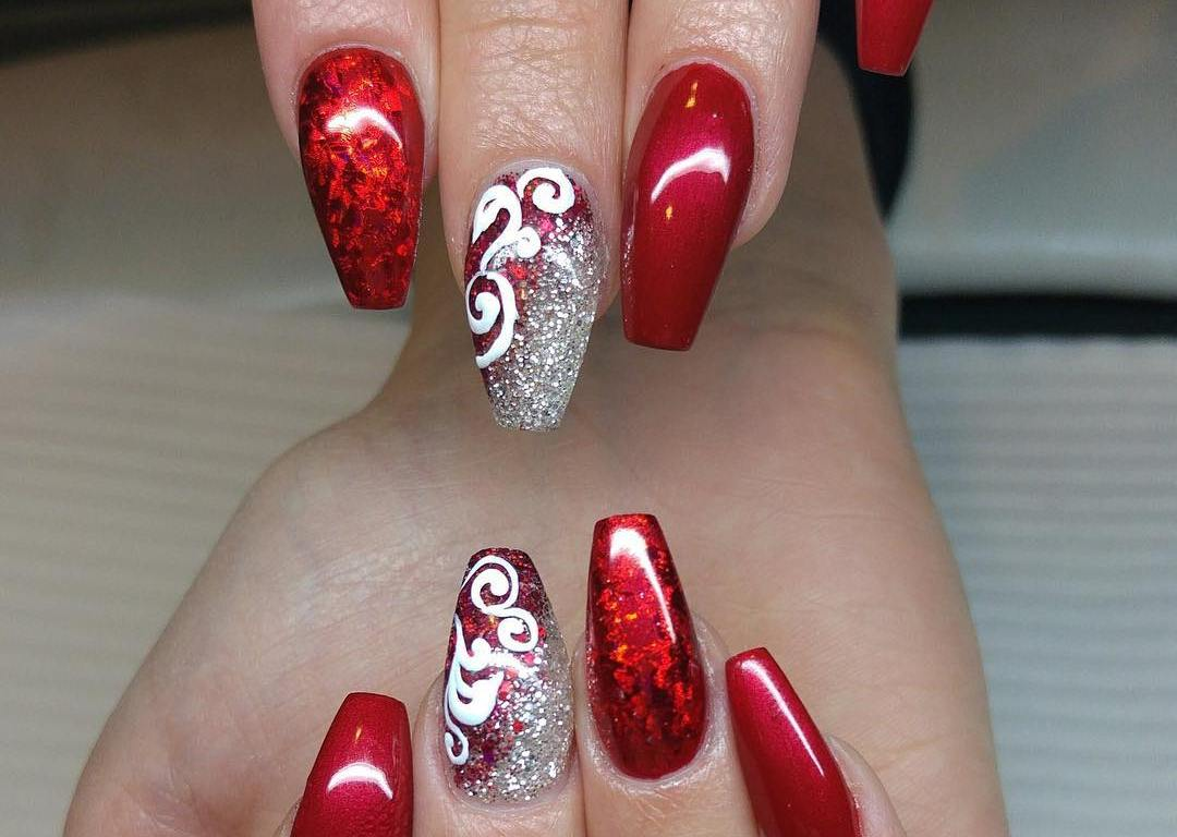Christmas nail art design ideas - Nail Designs Perfect For The Holiday Season – Vicariously Me