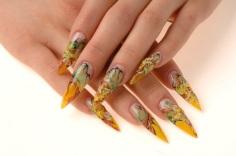 stiletto-nails-yellow