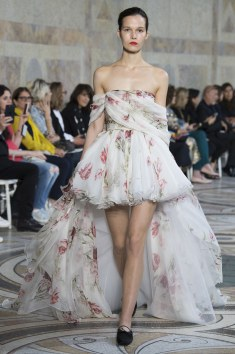 Giambattista Valli this flowy puffed dress with trail is just! So lovely. I love it!