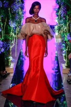 Gou Pei Im talking Drama, Hollywood fashion. This ensemble just gives it all! Gorgeous!