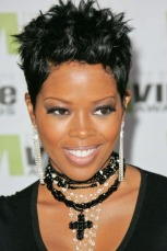 Malinda Williams stuns in this short pixie cute hairstyle