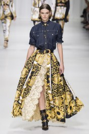 Cara Taylor Versace Tribute Collection Spring Ready To Wear