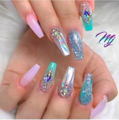 Ballerina shaped mermaid color nails