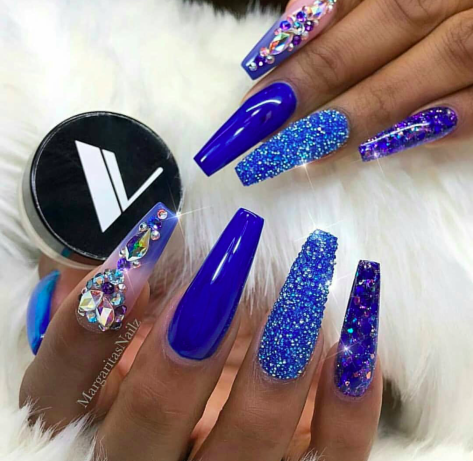 beautiful blue acrylic nails