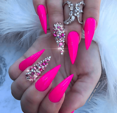 Fuschia Pink nail designs perfect for summer